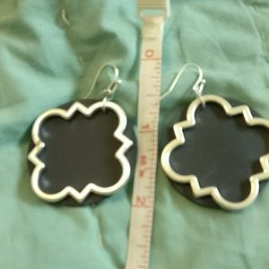 none Jewelry - Quatrefoil and navy leather earrings